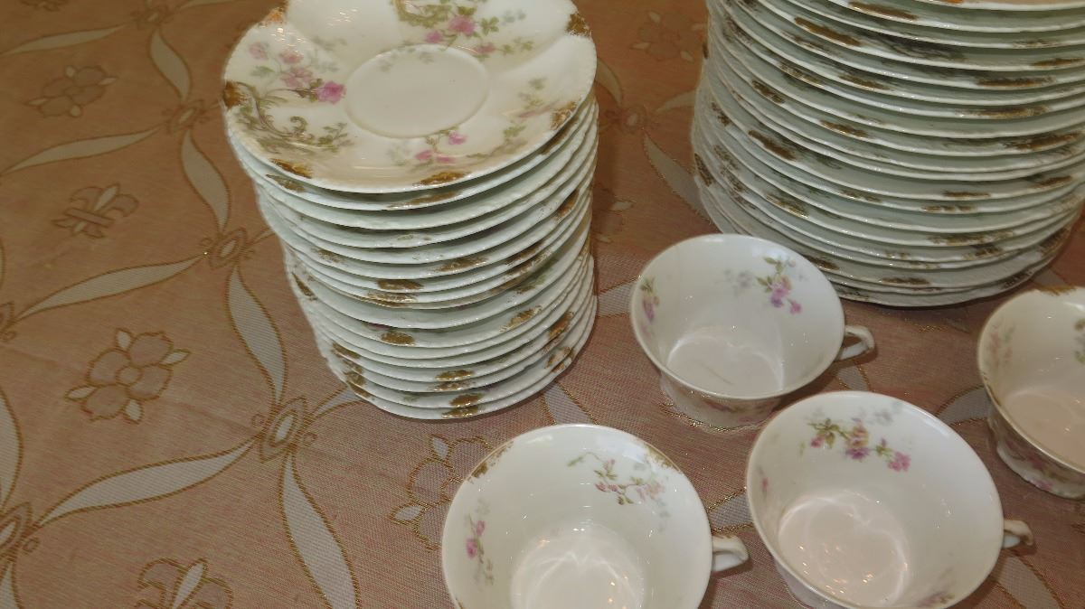 ... Image 4  Theodore Haviland Limoges Fine French China Plates Saucers Teacups ... & Theodore Haviland Limoges Fine French China: Plates Saucers ...