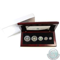 2003 Canada Hologram 5-coin Silver Maple Leaf Set (TAX Exempt). Coins come encapsulated in the mint