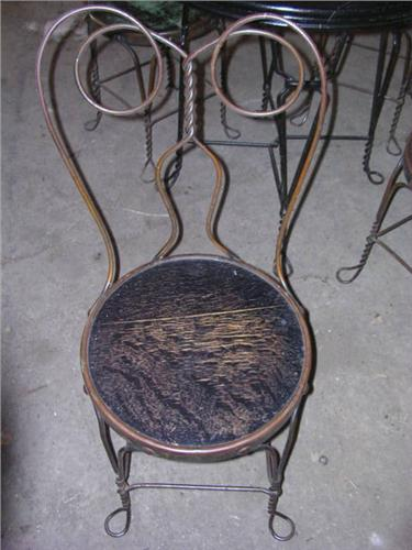 Bon ... Image 2 : Antique Ice Cream Parlor Table/chairs