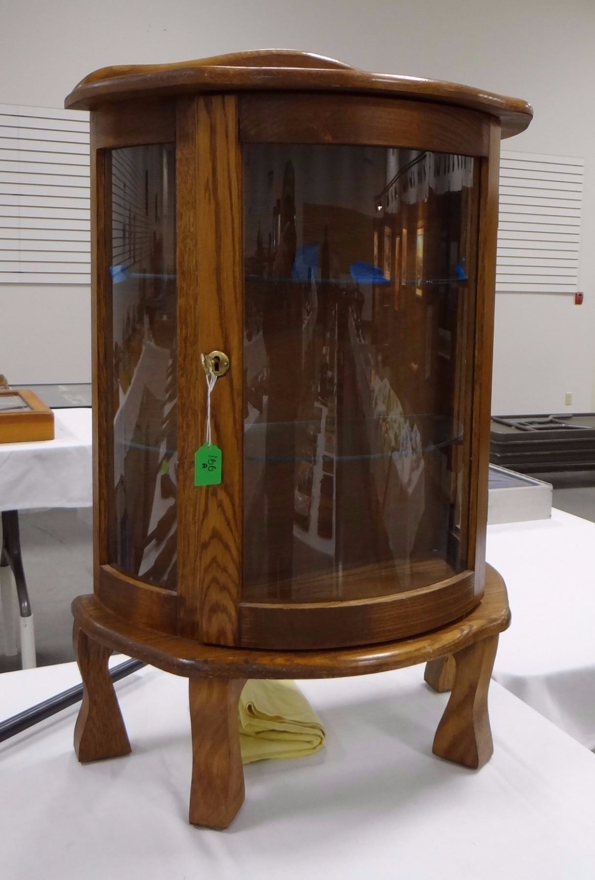 Charmant Image 1 : Small Oak China Cabinet, Curved Glass ...