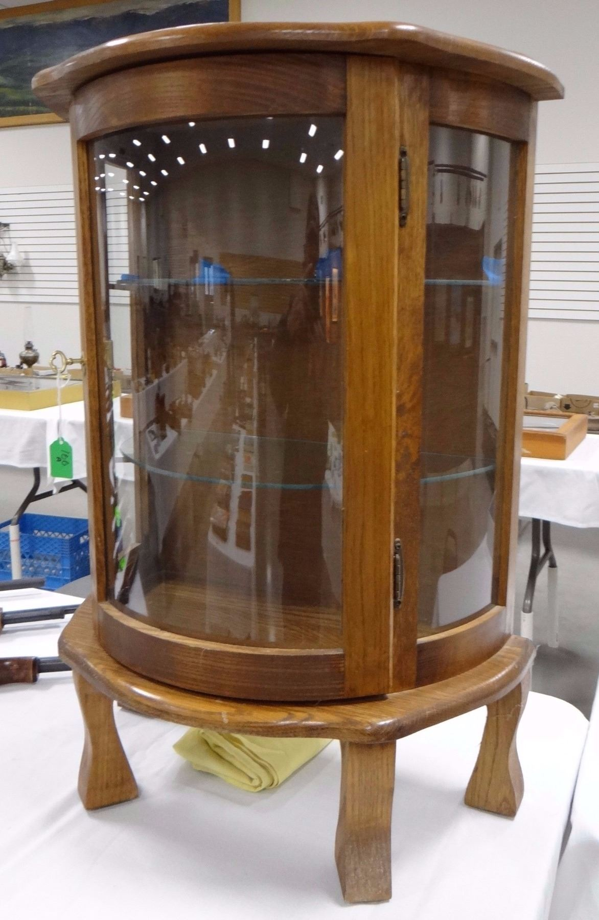 ... Image 2 : Small Oak China Cabinet, Curved Glass ...