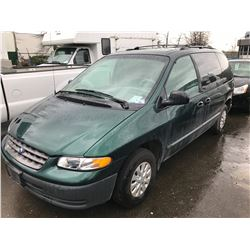 1998 PLYMOUTH VOYAGER, 4 DOOR PASS VAN, GREEN, VIN # 2P4FP2535WR504008