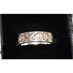 RING - STERLING SILSVER - CUTOUT DESIGN - RETAIL ESTIMATE $150