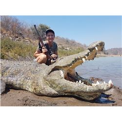 Crocodile hunt for one hunter and one observer on the Zambezi River (7 days)