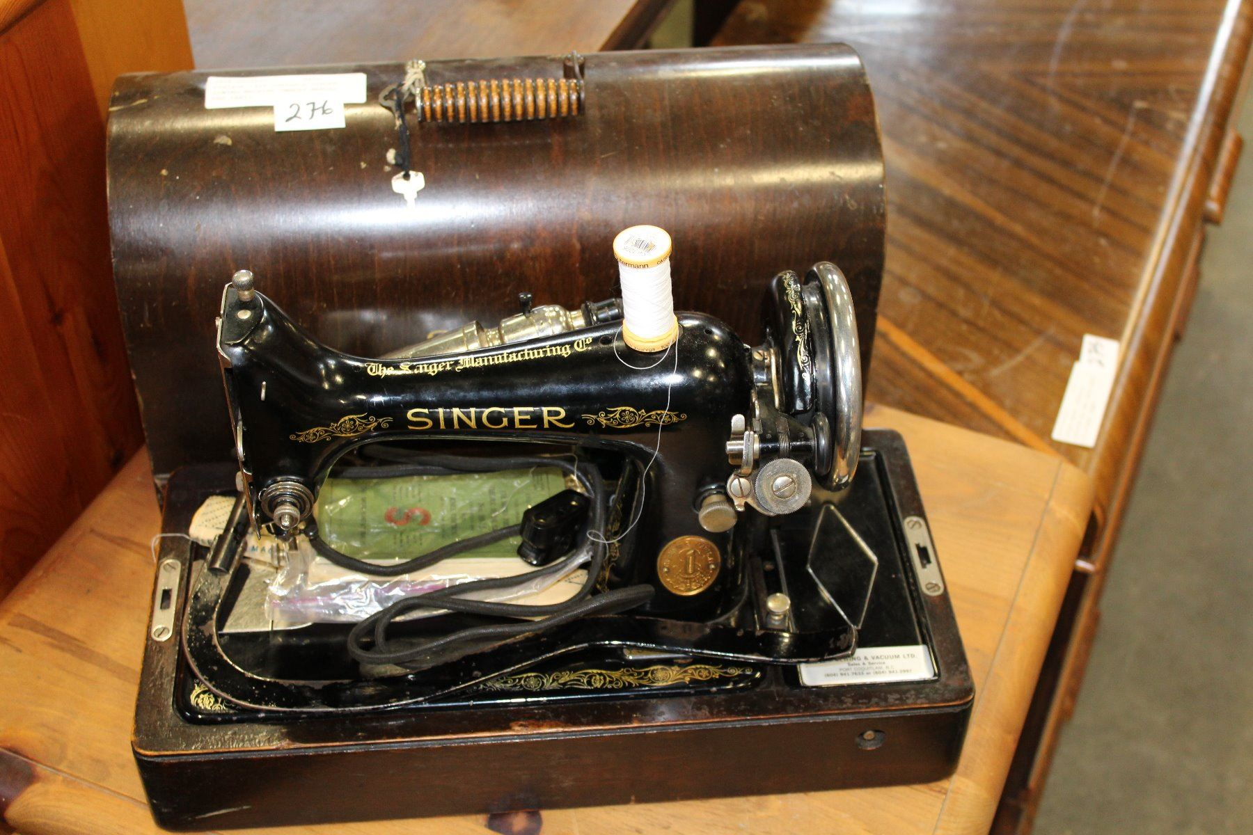 ... Image 2 : VINTAGE 1929 PORTABLE SINGER SEWING MACHINE OWNERS MANUAL AND  PARTS