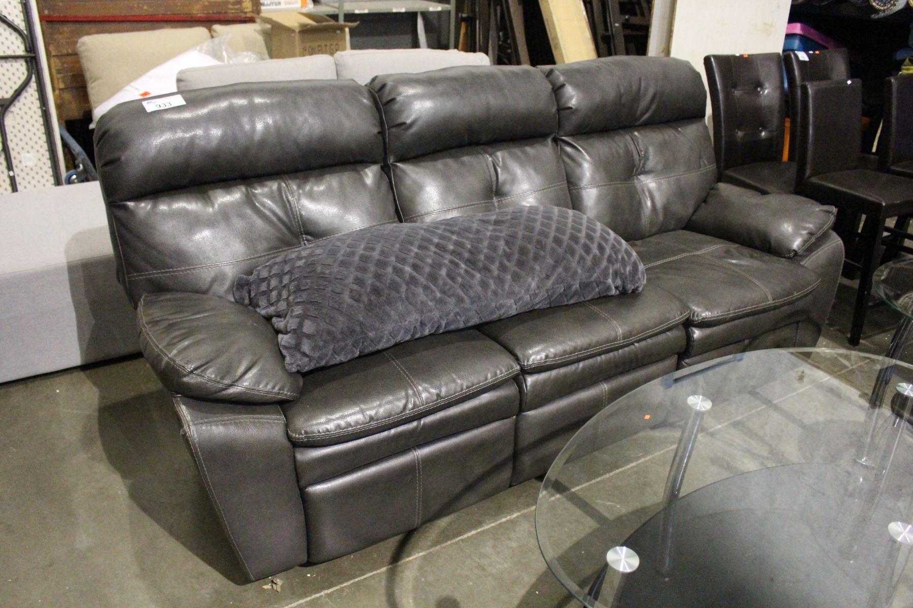 Leather reclining sofa with throw cushion Leather sofa throws