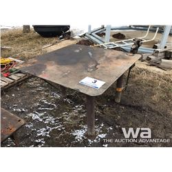 LEG VISE AND WELDING TABLE
