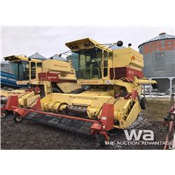 NEW HOLLAND TR70 COMBINE