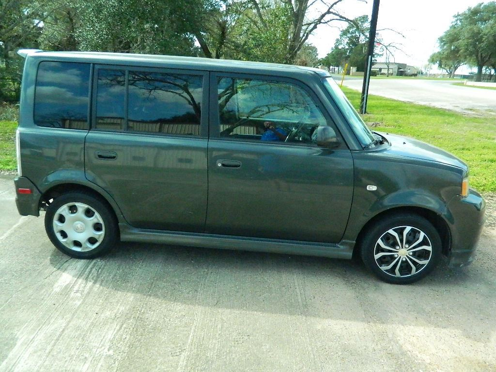 2005 scion xb 196k miles made by toyota starts runs and drives as it should in sealy texas. Black Bedroom Furniture Sets. Home Design Ideas