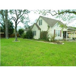 741 7th Street Sealy, Texas 77474. 2108 sf  5BR 2BA, .33 Acre Lot. HAC EXCLUSIVE! LOCATION IS GREAT!