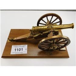 HANDMADE MODEL CANNON BRITISH 12 POUNDER