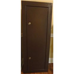 F6- 8 GUN STORAGE CABINET *NO SHIPPING*