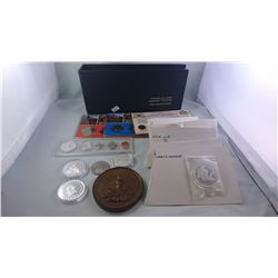 USA AND WORLD SOUVENIR COINS & MEDALLIONS INCL. GAMING TOKENS, SOME SILVER ETC.