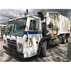 2009 MACK GARBAGE  TRUCK WITH LABRIE AUTOMIZER RIGHT ARM LOADER