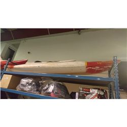 9' RED/WHITE KAYAK