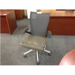 HAWORTH X99 MESH BACK FULLY ADJUSTABLE TASK CHAIR