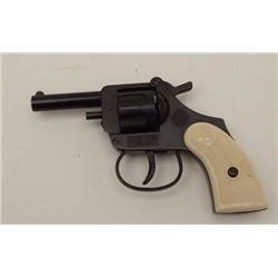 Model 1960 Italian-made starter's pistol, no  visible S/N, in overall good condition.         Est.: