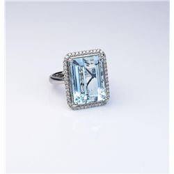 Stunning Aquamarine ring featuring a Fine  Aquamarine weighing approx. 20.00 carats and  surrounded