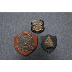 Lot of 11 misc. aviation wall plaques  including VMA 223 Fighting Bulldog; Capt.  Bill Sullivan, Com