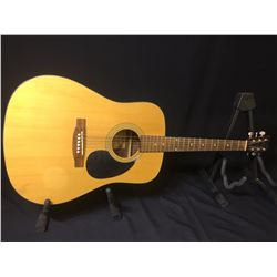 MANSFIELD MD240 ACOUSTIC GUITAR