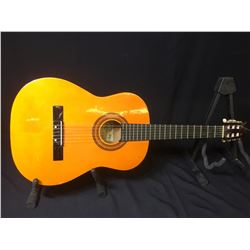 TRADITION TC670 ACOUSTIC GUITAR