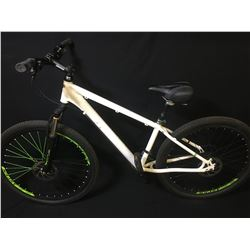 WHITE 27 SPEED FRONT SUSPENSION MOUNTAIN BIKE WITH FULL DISC BRAKES