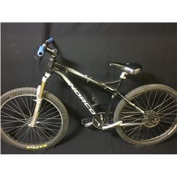 BLACK NORCO SINGLE SPEED MOUNTAIN BIKE WITH REAR DISC BRAKES