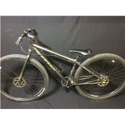 GREY VITUS 3 SPEED FRONT SUSPENSION MOUNTAIN BIKE WITH FULL DISC BRAKES