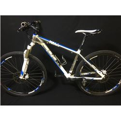 WHITE CUBE TEAM LTD 20 SPEED FRONT SUSPENSION MOUNTAIN BIKE WITH FULL DISC BRAKES