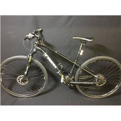 BLACK TREK 8.4 DS DUAL SPORT 27 SPEED FRONT SUSPENSION MOUNTAIN BIKE WITH FULL DISC BRAKES