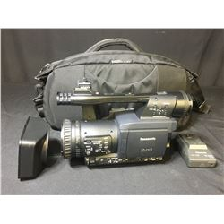 PANASONIC P2HD PROFESSIONAL VIDEO CAMERA WITH CHARGER & BAG