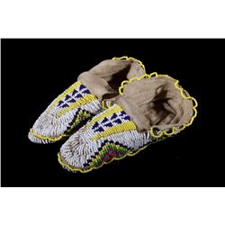 Sioux Fully Beaded Fancy Edge Mocassins