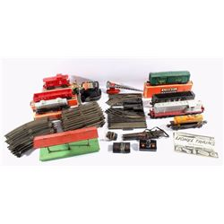 Lionel 027 Gauge Track Train Set & Buildings