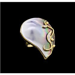 14KT Yellow Gold Mother of Pearl and Diamond Ring