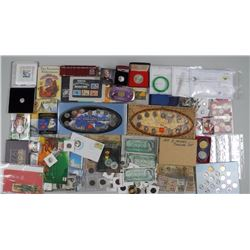 100x Assorted - Coins, Gift Folios, World sues, St
