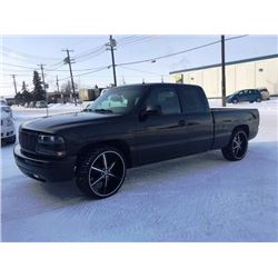 FRIDAY NIGHT! 2001 CHEVROLET SILVERADO 1500 2X4 TRUCK