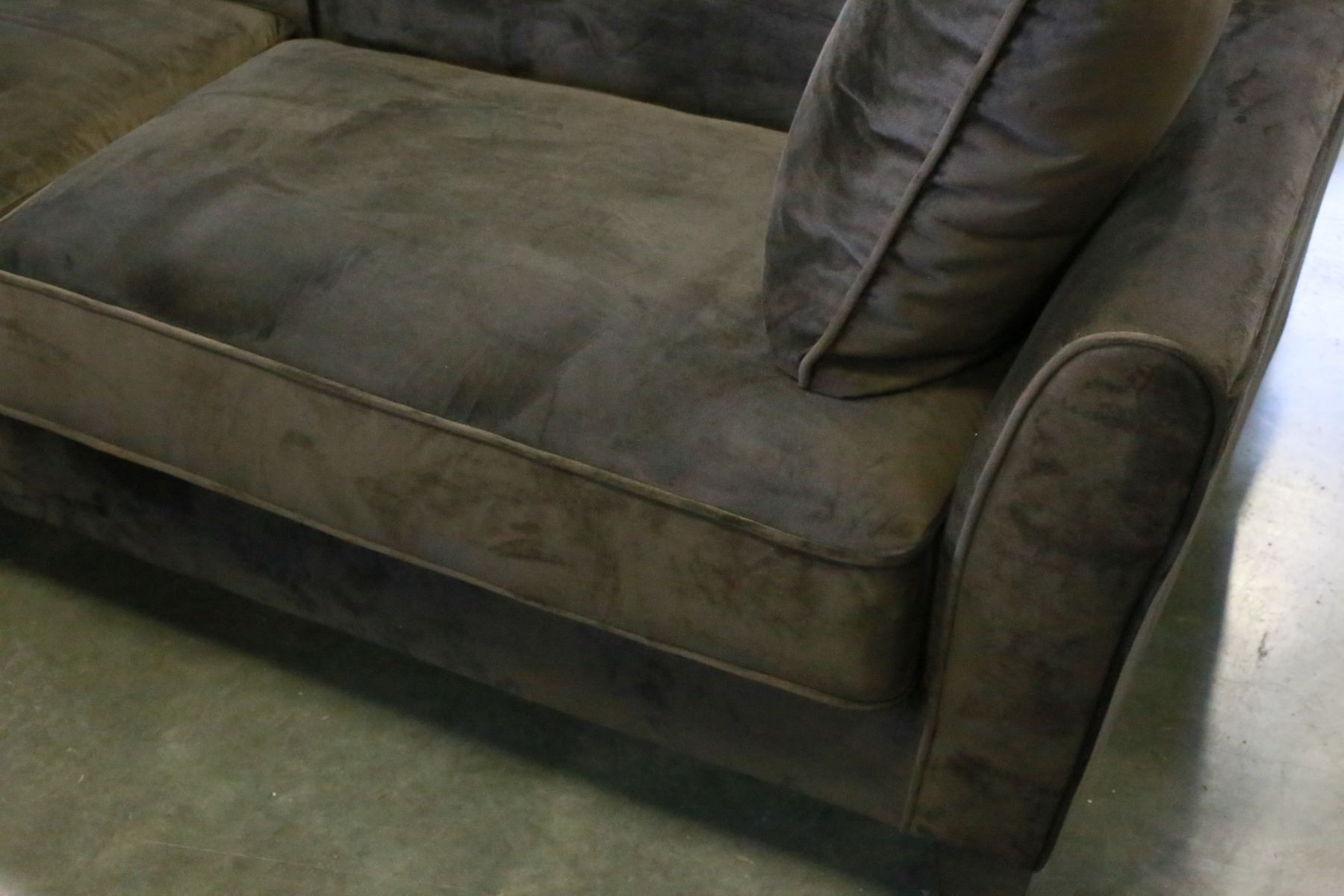 BRAND NEW ASHLEY FURNITURE BROWN MICROFIBER SOFA AND THROW
