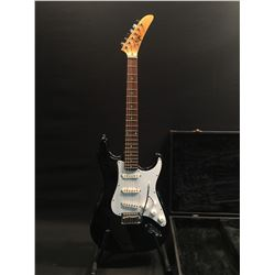 EPI MODEL ES-300 STRAT STYLE ELECTRIC GUITAR, WITH 3 SINGLE COIL PICKUPS AND VIBRATO BRIDGE, COMES