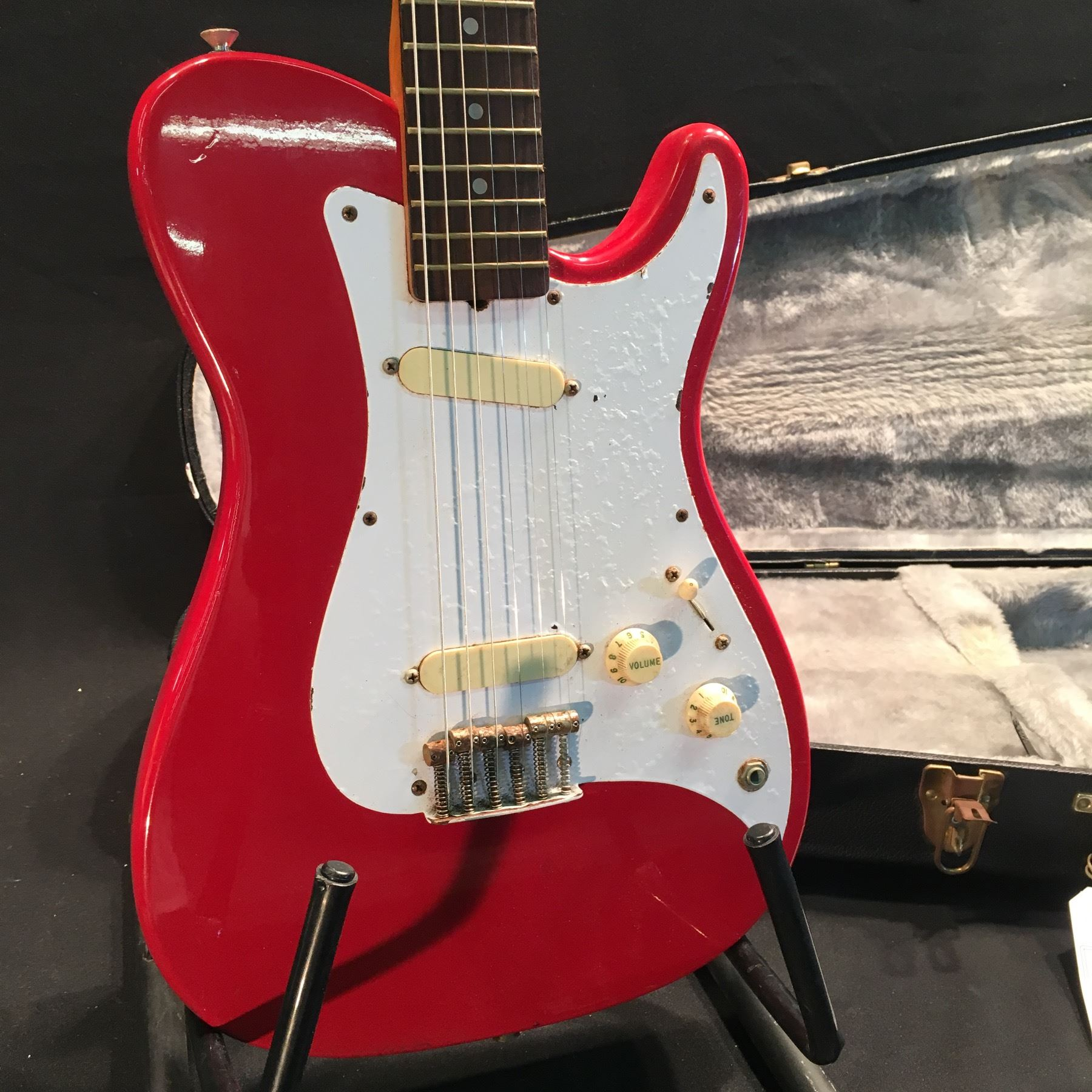 fender bullet guitar serial number e108173 made in usa 1981 82 with two single coil pickups. Black Bedroom Furniture Sets. Home Design Ideas