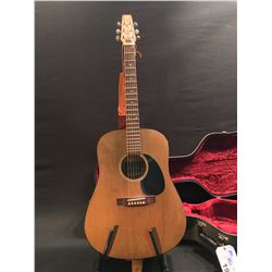 SEAGULL MODEL 6 ACOUSTIC GUITAR, SERIAL NUMBER 15401, HANDMADE IN CANADA, COMES WITH HARD SHELL
