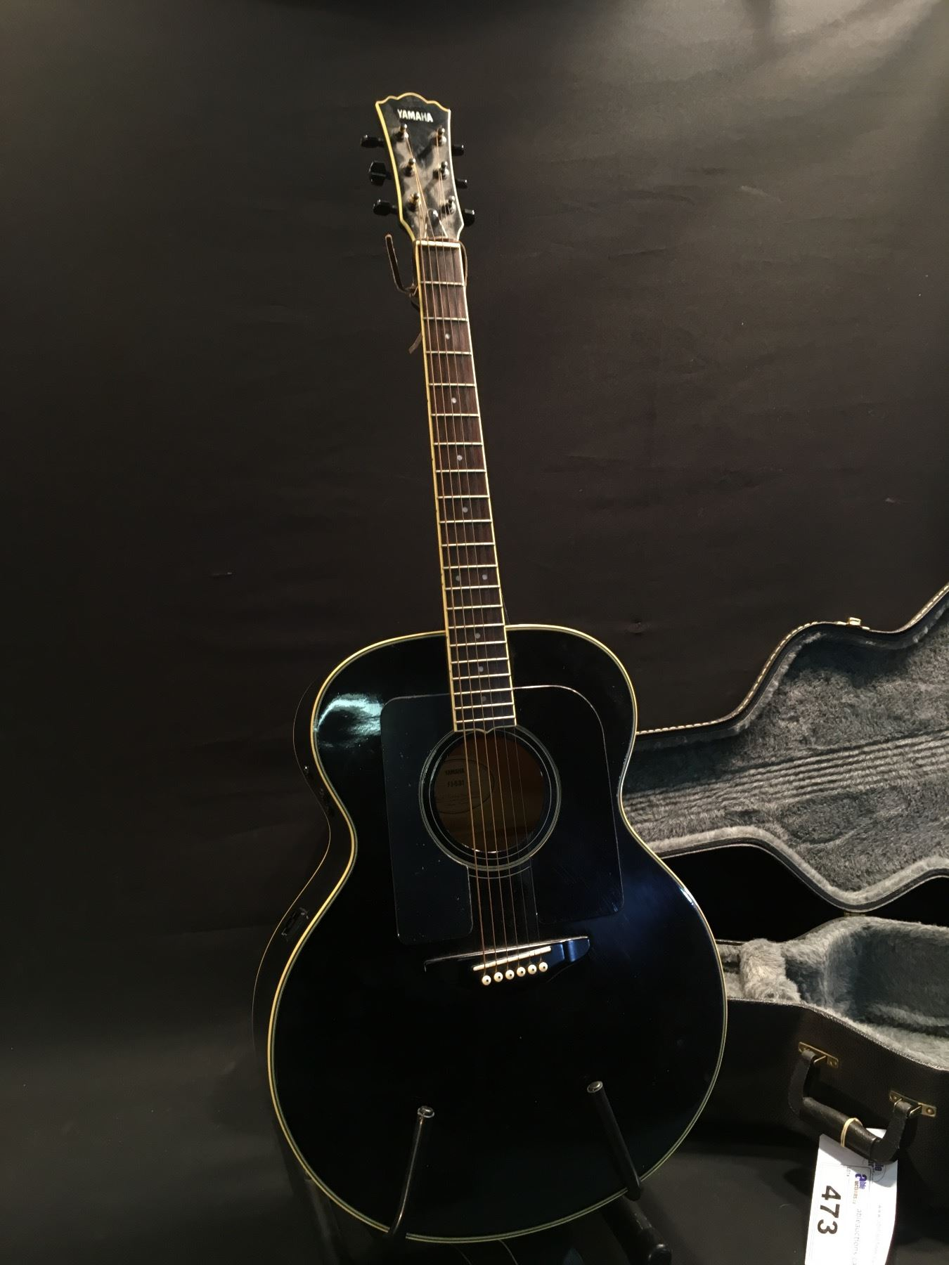 yamaha model fj 681 acoustic electric guitar comes with hard shell case. Black Bedroom Furniture Sets. Home Design Ideas