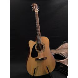FENDER ACOUSTIC/ELECTRIC LEFT HANDED GUITAR, MODEL DG-10CELH NS, COMES WITH HARD SHELL CASE