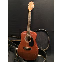 NASHVILLE MODEL 310 ACOUSTIC GUITAR, COMES WITH HARD SHELL CASE