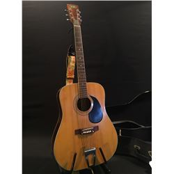 DANA MODEL 9322 ACOUSTIC GUITAR, MADE IN JAPAN, COMES WITH HARD SHELL CASE