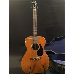BARCLEY CUSTOM ACOUSTIC GUITAR, NO MODEL OR SERIAL NUMBER, COMES WITH SOFT SHELL CASE
