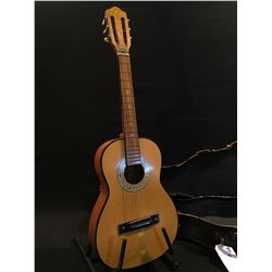 KENT COMMENCITA CLASSICAL STYLE ACOUSTIC GUITAR, MADE IN JAPAN, COMES WITH HARD SHELL CASE