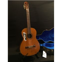 VINTAGE EPIPHONE MODEL EC-22 NYLON STRING ACOUSTIC GUITAR, MADE IN JAPAN, COMES WITH HARD SHELL