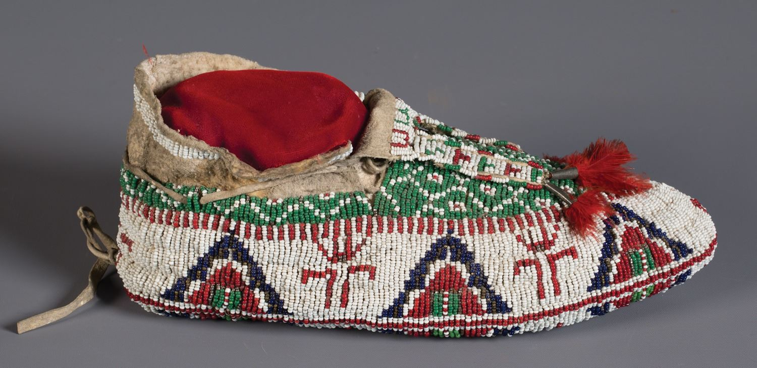 fully beaded central plains moccasins