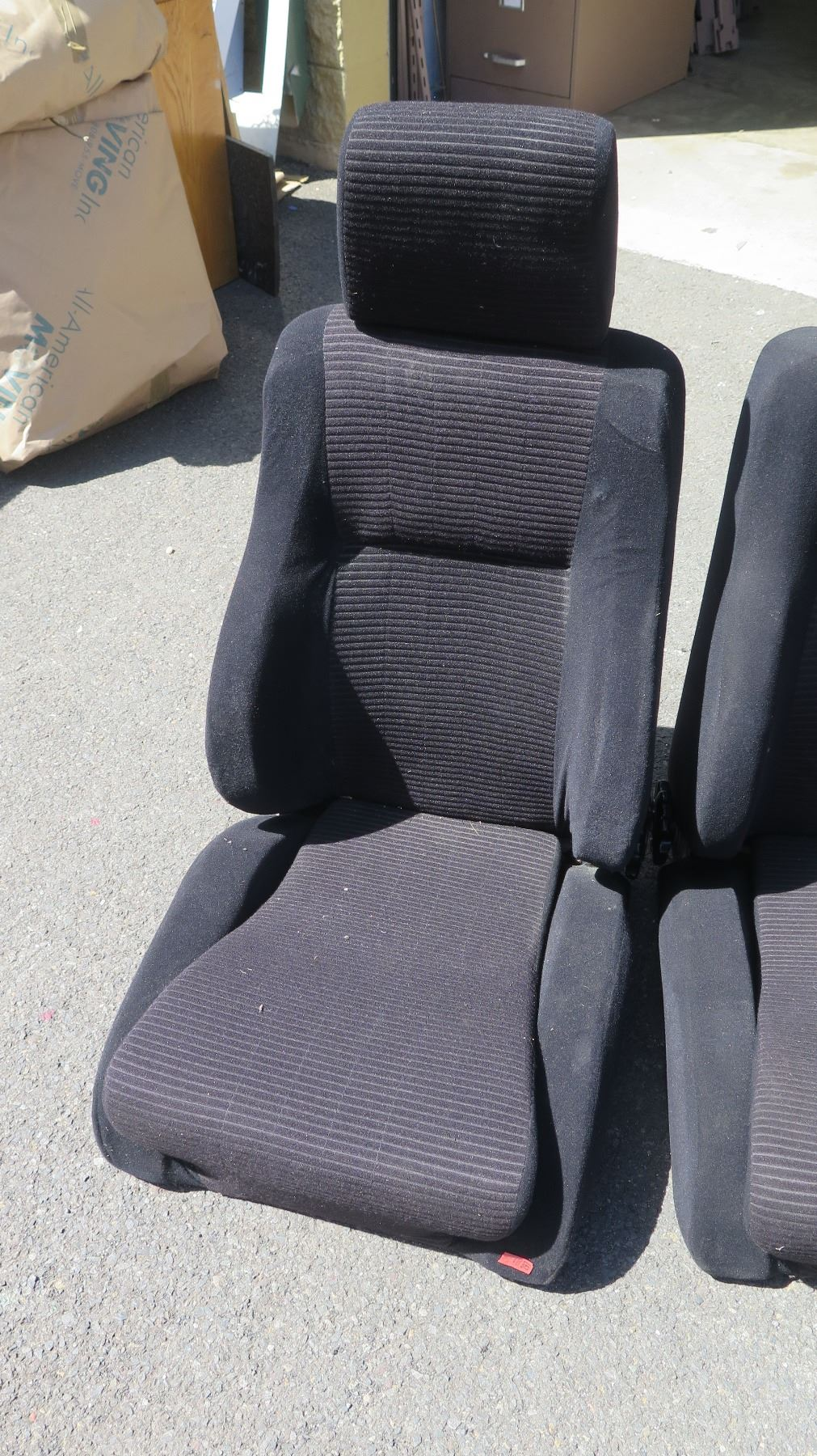 how to clean black cloth car seats