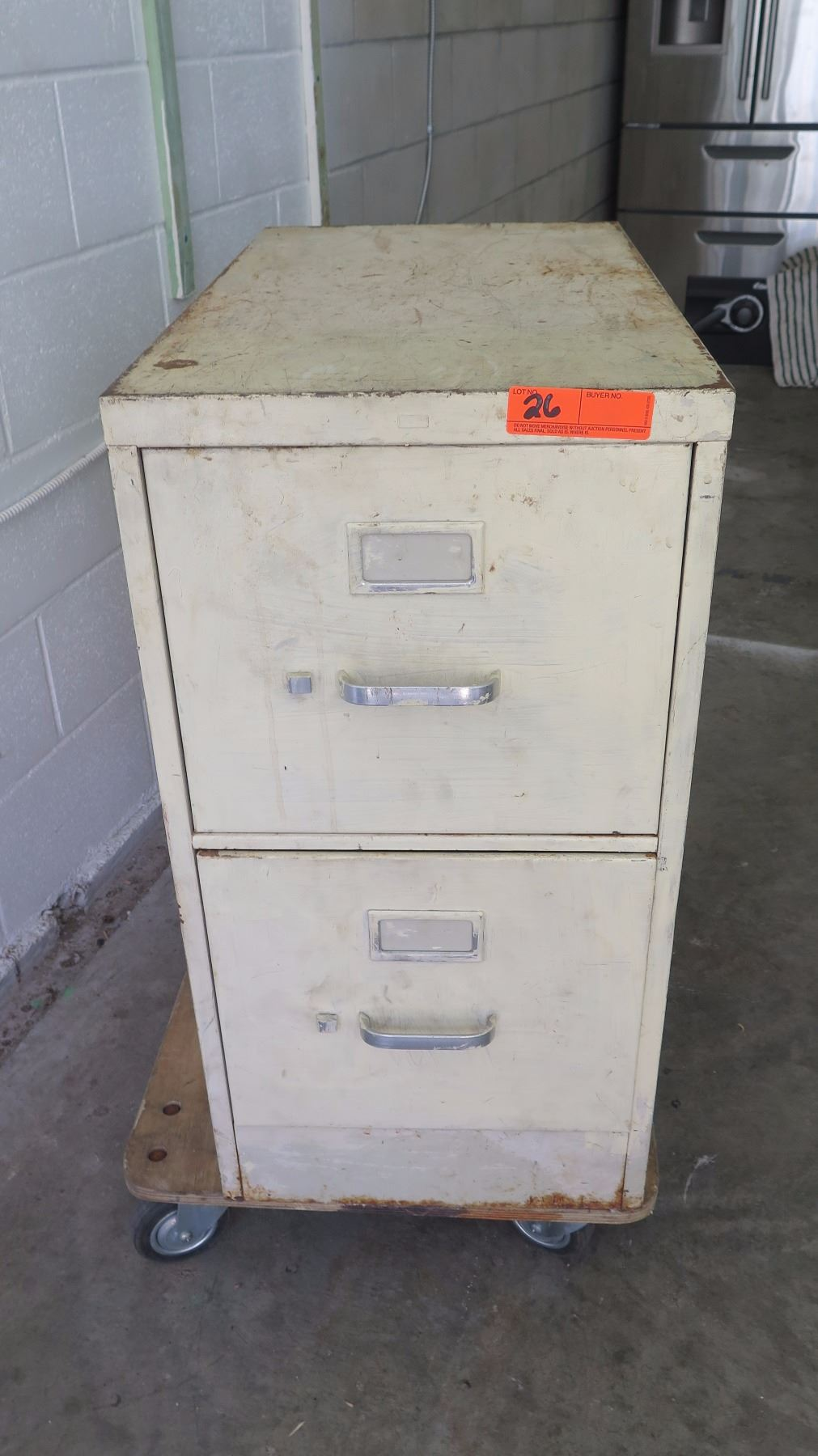 Image 1 : 5 Drawer Metal File Cabinet W/ Misc.